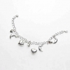 Comment ajouter des charmes à un bracelet de charme