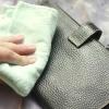 Comment nettoyer un sac à main en cuir