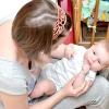 Comment nettoyer la bouche d'un nourrisson