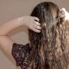 Comment obtenir une «fille de surfer 'vagues dans vos cheveux