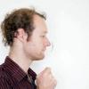 Comment accrocher une cuillère de votre nez