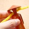 Comment faire un collier pour une poupée sur un cure-pipe