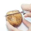 Comment rendre les matrices de peinture pour enfants à partir de pommes de terre