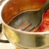 Comment faire de la sauce à spaghetti en utilisant parmesan