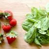 Comment faire une salade d'épinards et de fraises
