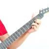 Comment jouer les accords barrés mineures à la guitare