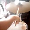 Comment jouer de la batterie punk