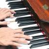 Comment jouer tremolo entre les notes sur le piano