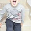 Comment calmer un enfant en public