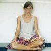 Comment se asseoir les jambes croisées en lotus posture