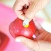 Comment découper une pomme en utilisant un couteau de pomme