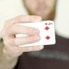 Comment lancer une carte avec votre pouce