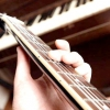 Comment accorder une guitare harmoniquement