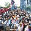 Comment faire la queue pour un manège de parc d'attractions