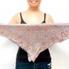 Comment porter un foulard carré