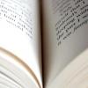 Comment écrire une pièce basée sur un livre