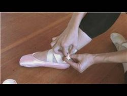 ���� - Comment attacher chaussures de ballet